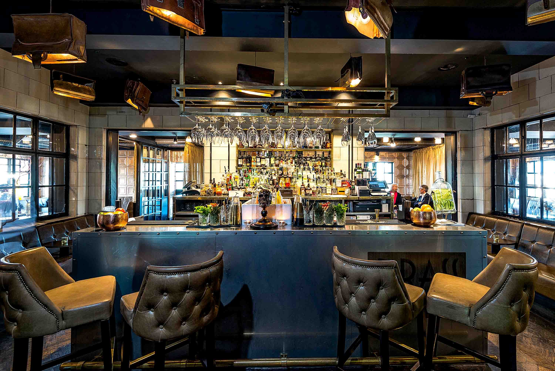 Hotel Gotham Bar area
