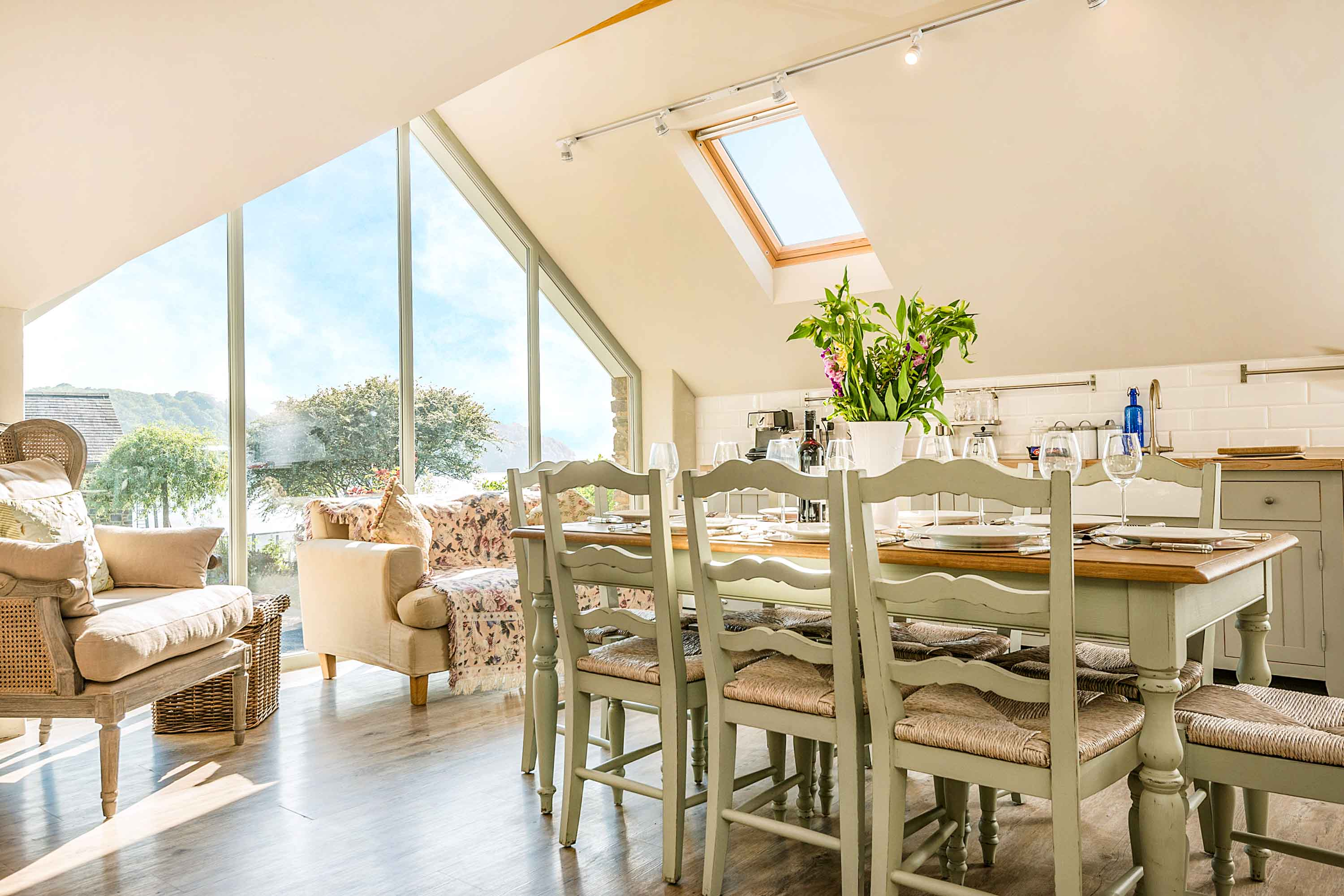 Leeward Cottage dining table with view