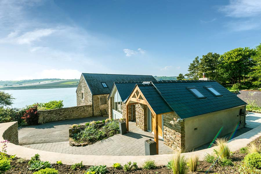 Cottage in Wales with stunning estuary views
