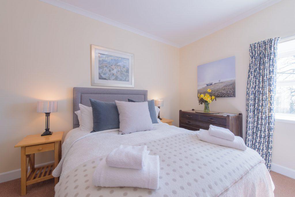 Abbotsway Cottage bedroom Orroland Supercontrol