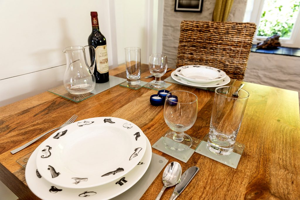 Kernock Cottages dining table