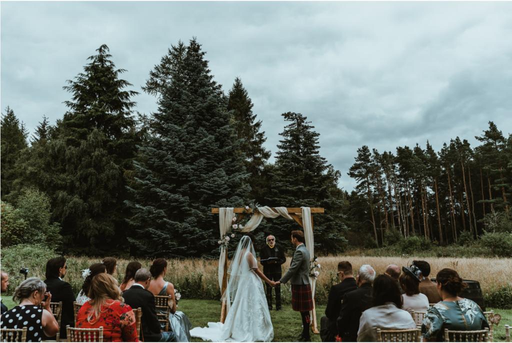 Small weddings hosted at holiday rentals | ACT Studios